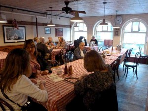 Durgin Park Boston Dining Room M 300x225 Freedom Trail Historic Boston Restaurant Guide & Map